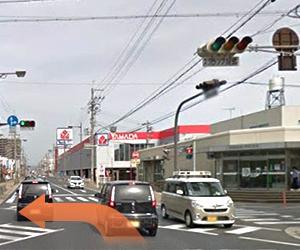 紀陽銀行松江支店の見えるこの信号を左に曲がります。